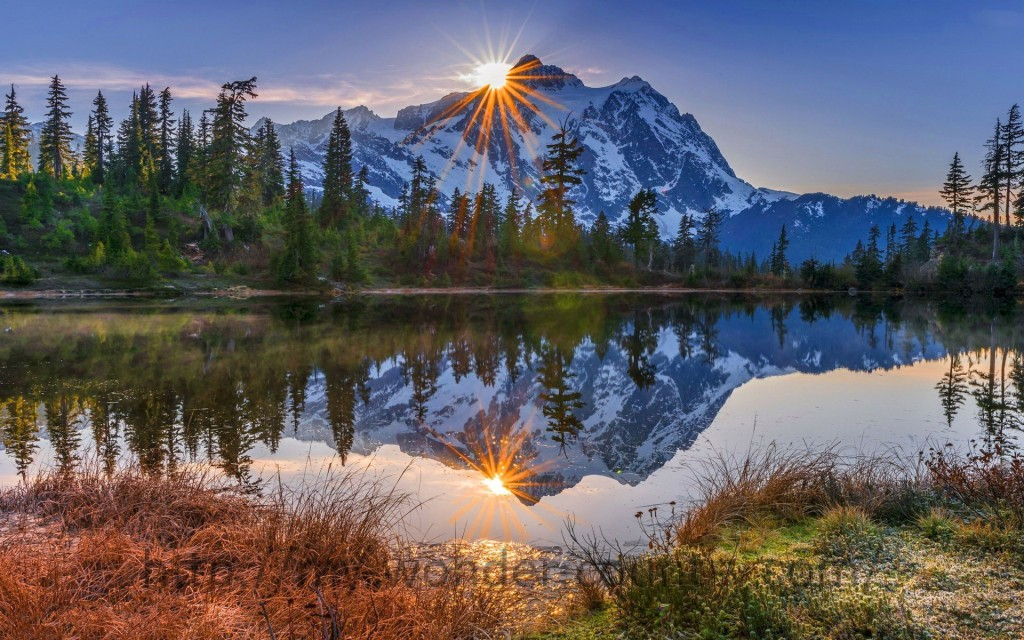 Morning-Sun-In-The-Mountains-Wallpaper